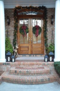 Southern Home beautifully decorated for the holidays with traditional decor