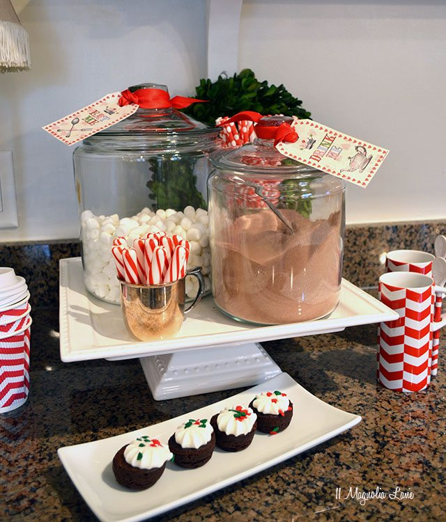 Christmas hot chocolate bar | 11 Magnolia Lane