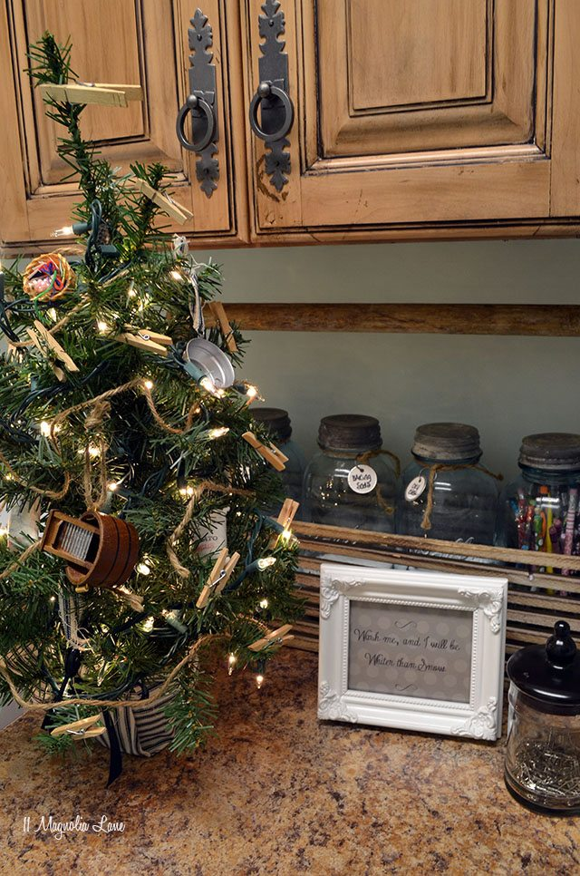Laundry room Christmas tree | 11 Magnolia Lane