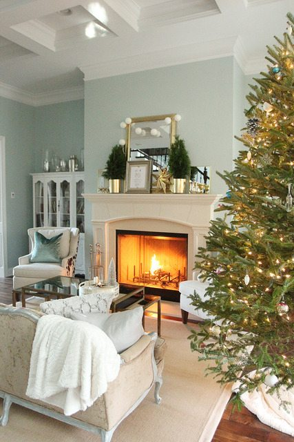 11 Magnolia Lane Holiday Open House with Less Than Perfect Life of Bliss