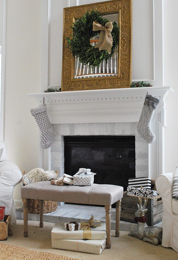 tall-fireplace-home-tour-holiday