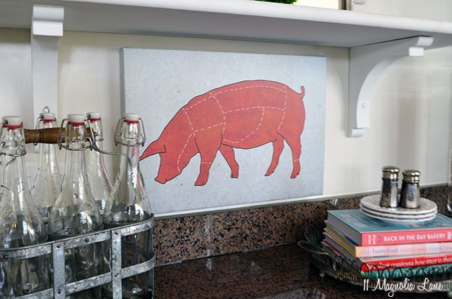 open-shelving-pig