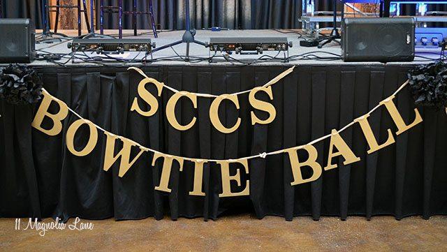 Gold banner Bowtie Ball