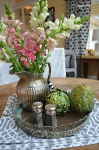 Kitchen table Easter