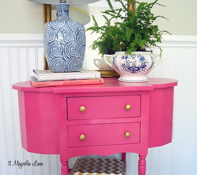 $10 thrift store table gets a pink and gold makeover | 11 Magnolia Lane