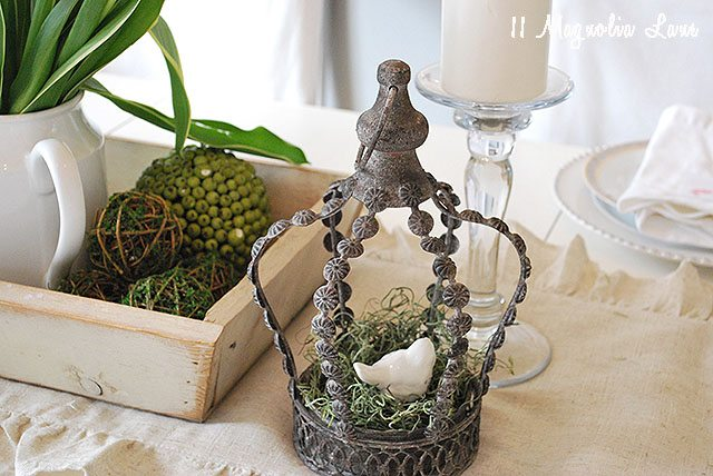 tablescape-crown-easter-nuetral