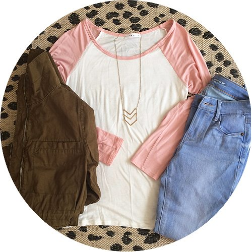 pink-baseball-tee-light-jeans2