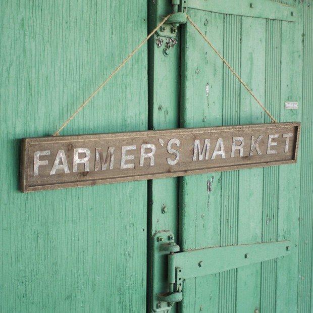 wooden-farmer-s-market-sign