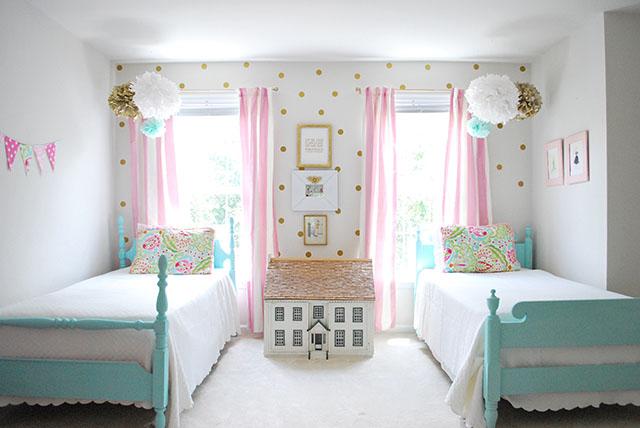 sloanes-room-vintage-twin-beds2
