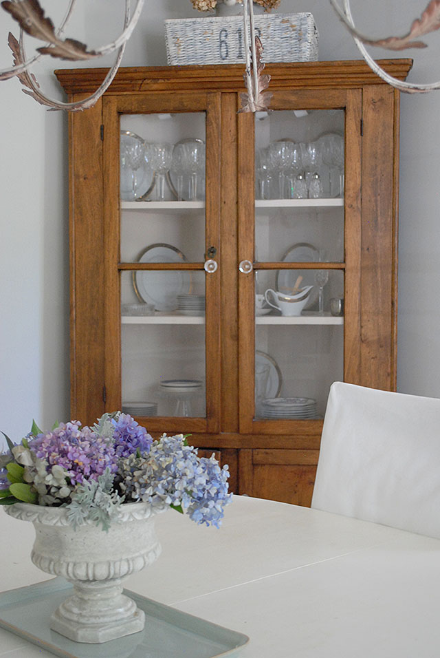 china-cabinet-barn-willow-hydrangea