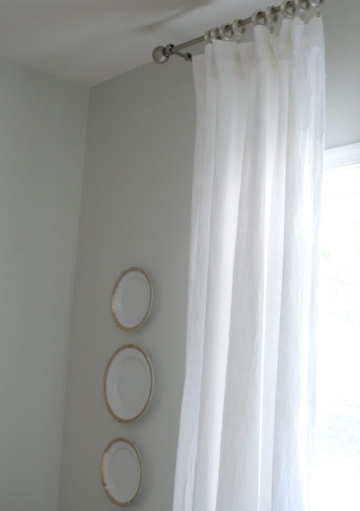 linen-curtains-close