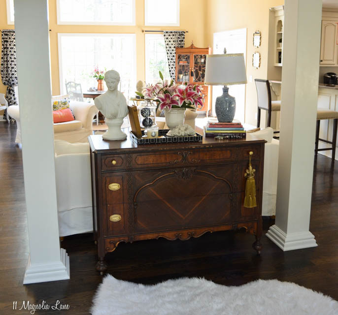 Vintage pieces in a traditional living room | 11 Magnolia Lane