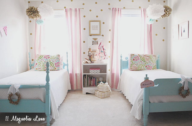 sloane-room-wide-amy-11-magnolia-lane-holiday-home-tour-2016-4