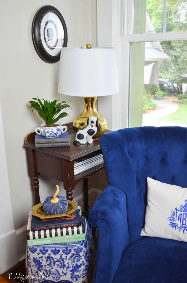 Vintage tufted navy blue velvet chair | 11 Magnolia Lane