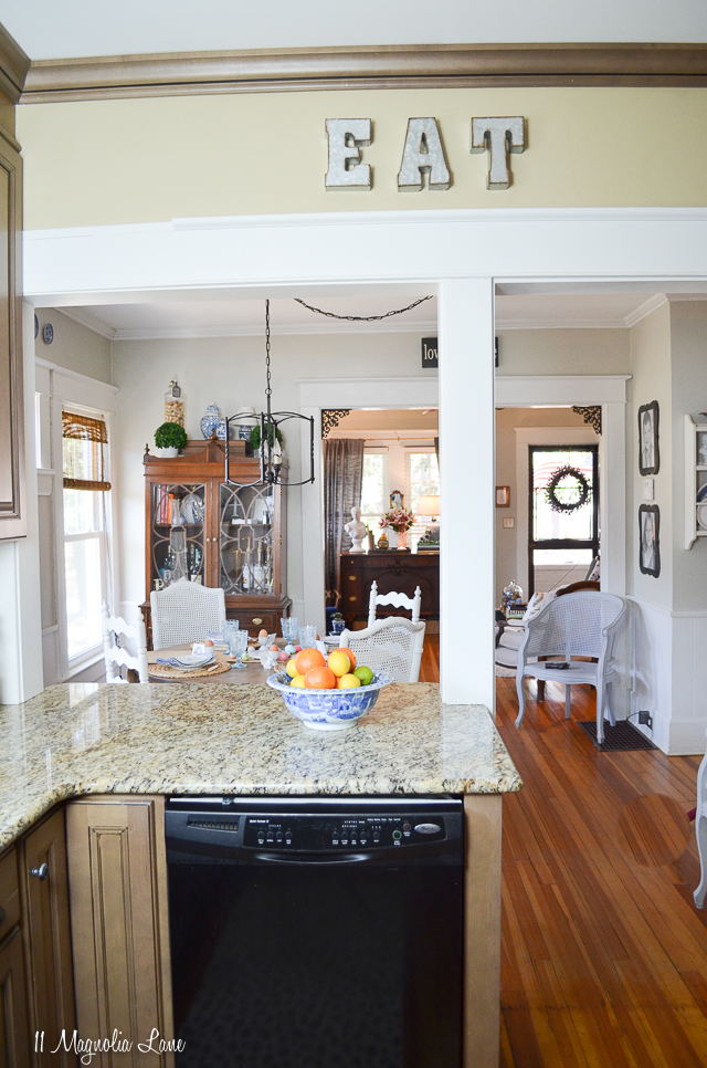 Spring kitchen in a 100-year-old cottage | 11 Magnolia Lane