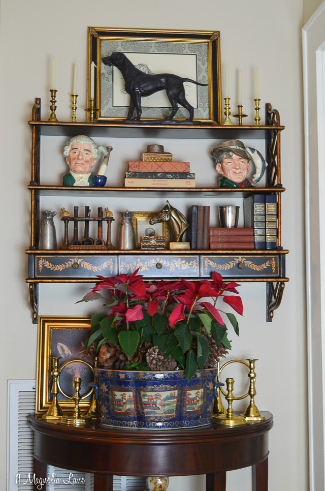 Traditional hunt and equestrian themed Christmas holiday decor in a Southern home | 11 Magnolia Lane