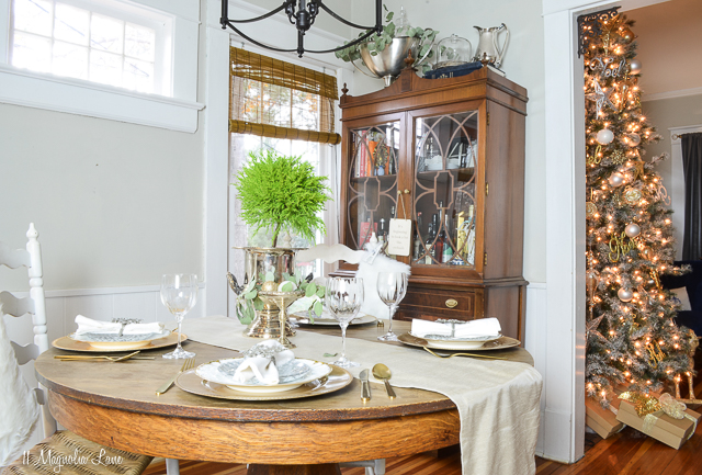 Holiday table decorated in metallic silver and gold; new and vintage | 11 Magnolia Lane