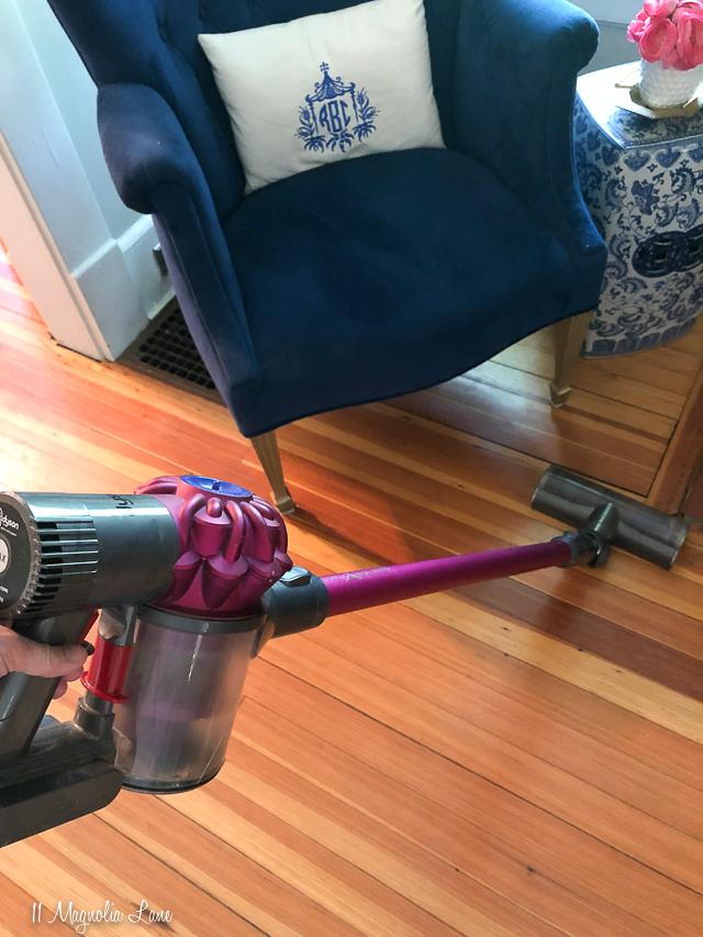 Dyson V6 Motorhead Stick Vacuum