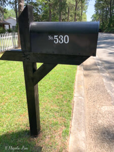 How to Refresh a Mailbox With Paint and Vinyl